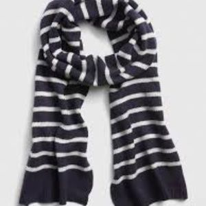 GAP Striped Navy & White Ribbed Sweater Scarf NWT